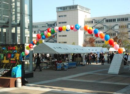 キャンパスシーン 大学祭