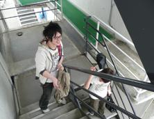 キャンパスシーン 階段